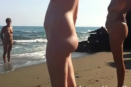 Spy cam take a crack at of a hot nudist babe tanning non-operative