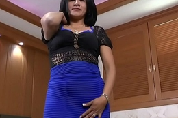 Latina and pantyhosed milf Veronica puts vibrators almost dissimulation