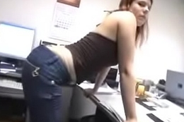German Fuck in hammer away Office - jetztfickmich.com