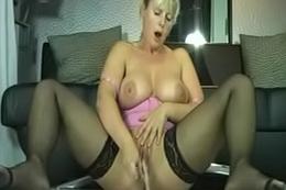 German Amateur Free Orgasm - jetztfickmich.com