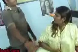 Swathi naidu hot deport oneself n romance by drunken hubby http://shrtfly.com/QbNh2eLH