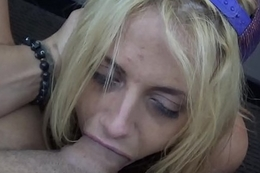 Busty Slut Nicole Rossi Gets A Improper Gagging Throat Thing embrace Before A Festival