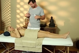 Blonde rides masseurs rod