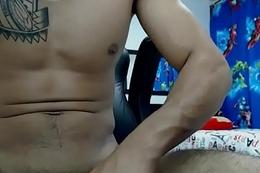 2uncutguyswebcam