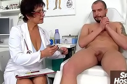 A boy patient ejaculates after tugjob detach from keeping MILF Maya