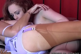Floozy licks fingers milf pussy in stockings