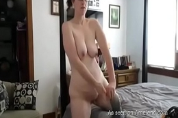 Caught Mom Masturbating on the chunky bed