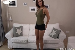 Petite gloominess spreads her long legs for some vibrator fun - 6 - ta