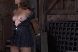 Hot whipping for beauty'_s booty